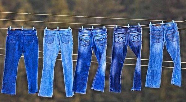 Как правильно стирать джинсы, чтобы носились дольше и не растягивались