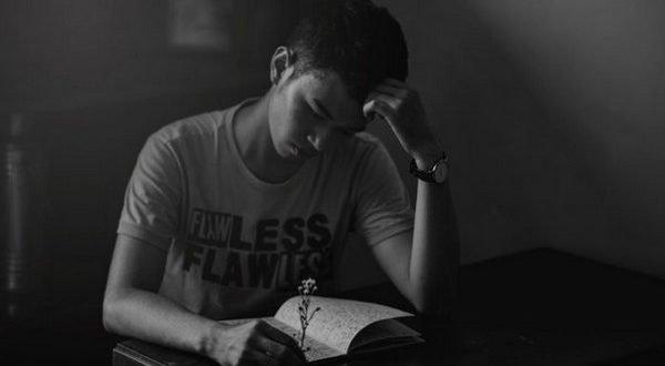 «— Скучаешь?..» — стихотворение, которое тронет любого